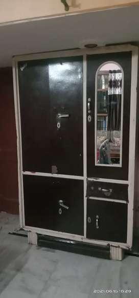 Double door almari with mirror