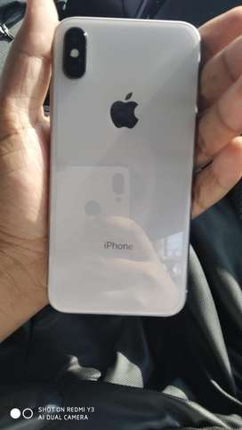 Iphone x (10) new condition no scratches 5 months warranty left