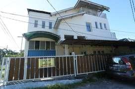 Rumah 3 Lantai di Jantung Kota Mataram