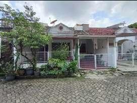 Rumah di lingkungan asri di Taman Harmoni Pondok Cabe