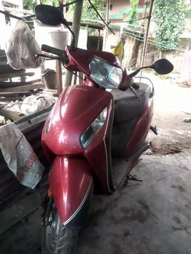 Urgent need money   ACTIVA I in good condition