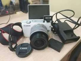 Canon eos m10 mirroless