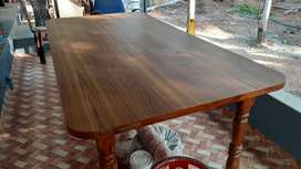 Teak wood 6 seater dining table 2 yrs old