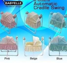 Kondisi 95% babyelle pink bisa auto swing  box bayi