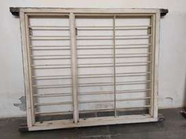 Windows with sunlight blockin glass doors full set