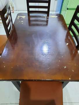 Meja Makan masih oke dapet kursi nya 4