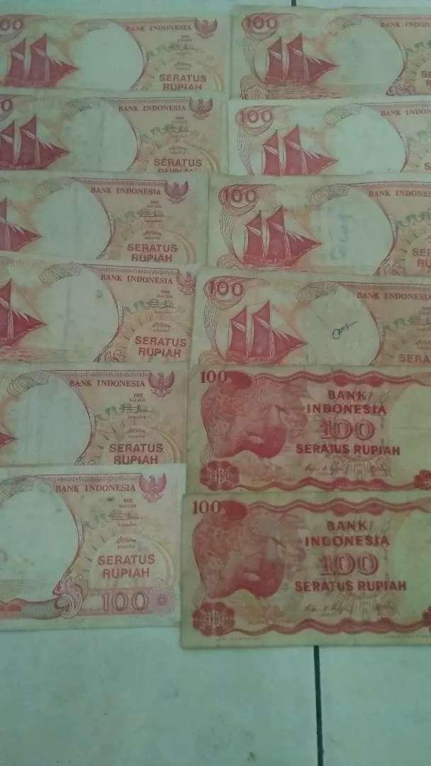 Uang kertas 100 rupiah tahun 1992 & 1984 0