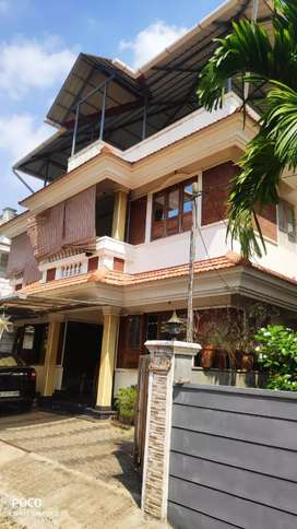 4 cent 2000 sqft 4 bhk house for sale at edapally