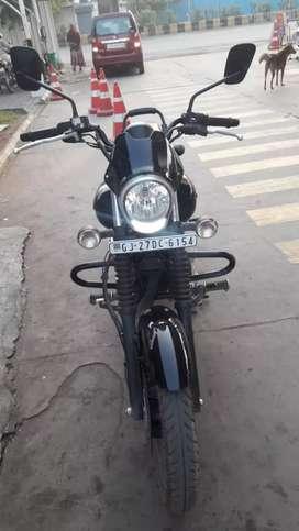Bajaj avenger 160 street