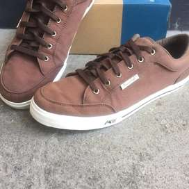 Sepatu American Eagle Canvas Brown / Coklat [US 12 / 45.5 / 29cm]