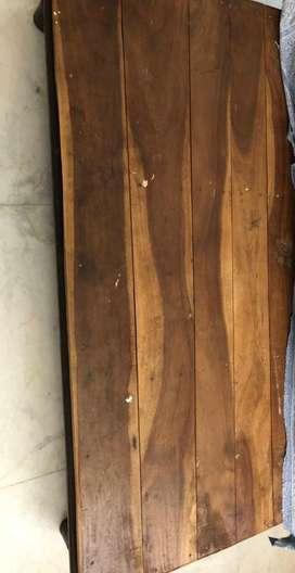 Wood diwan