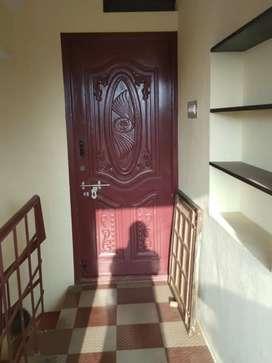 House near Gem Hospital( sadayapa thevar street )is available for rent
