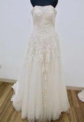Baju pengantin bekas