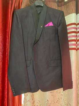 Wedding tuxedo wore once in reception