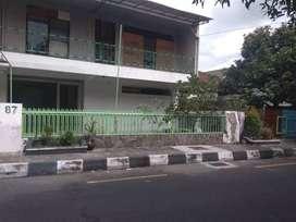 Rumah 2 lantai bisa untuk gudang / kantor
