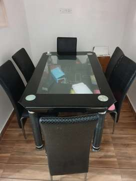 Dinning table inVery good condition
