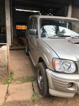 4alloy wheel ,4power window,new model head light ,Crdi engine