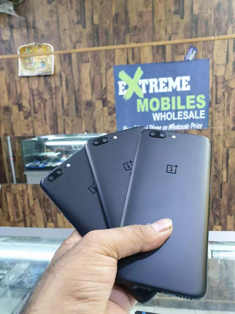 One plus 5 6GB RAM brand new All color available .PTA APPROVED 0