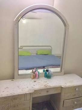 Dressing table with a huge mirror and 2 side tables.