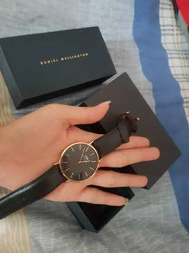 jual jam tagan Daniel wellngton black gold fullset original
