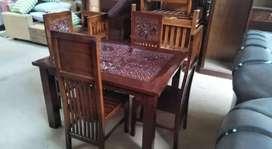 Meja makan jati plus 4 kursi kuat dan awet.  2 500.000 free ongkir.