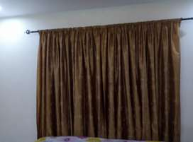 2 curtains in good condition
