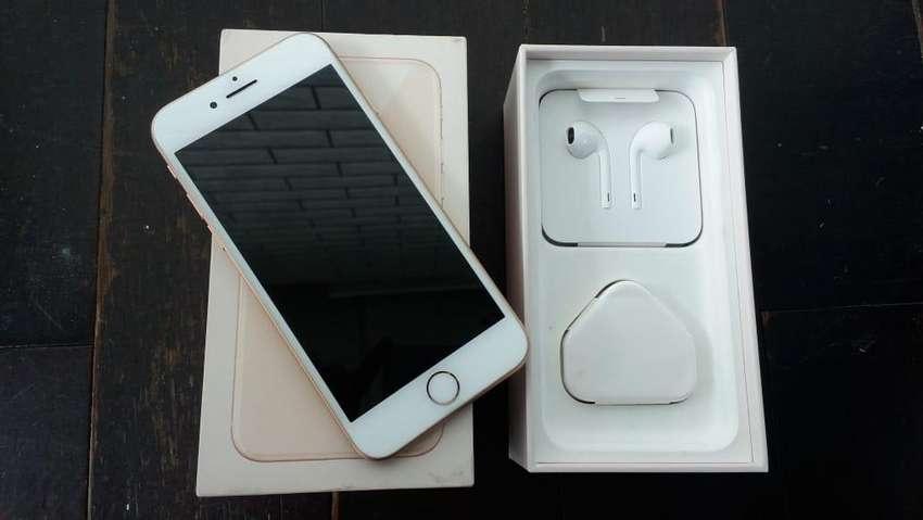 Iphone 8 256GB Gold 0