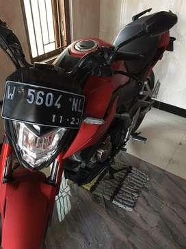 Honda cb150r se merah plat w sidoarjo