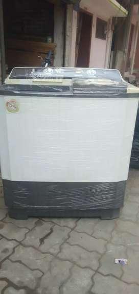 Semi automatic washing machine newly