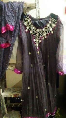 Beautiful dress only 1 day used