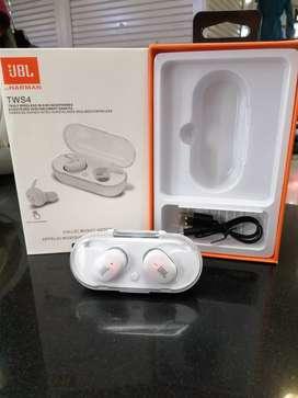 earphone JBL white