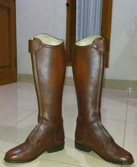 Women Riding Boots.Leather Argentina Style.Size 40.Mint Condition