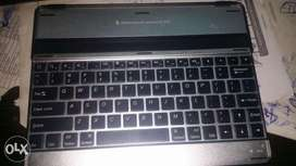 Mobile Bluetooth keyboard for I pad
