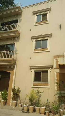 Dha guest house daily rent only families with breakfast .WiFi free