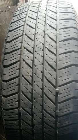 Ban fortuner / pajero 17 . 265 65 . Bridgestone hanya 1 bj