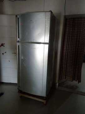 Fridge Dawlance hi zone,in good condition,10/10