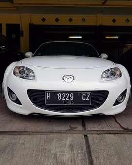 Mobil Mazda mx5 2011
