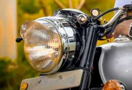 Have full condition smooth used bike very good show room condition an