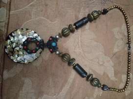 Enthic necklace