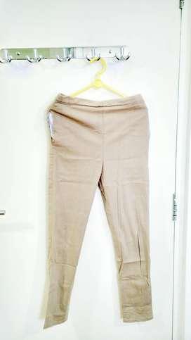 Celana Panjang Legging Krem- Cream Legging Trouser merk Denis