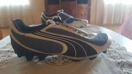 Great condition and worn only once Puma football boots size 8
