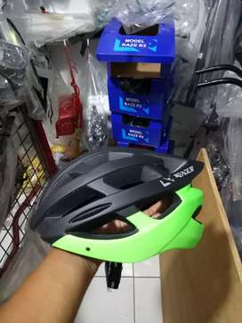 Helm sepeda merk RAZE