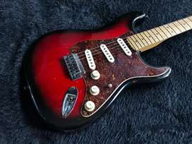 Gitar Squier by Fender Stratocaster Standard Series