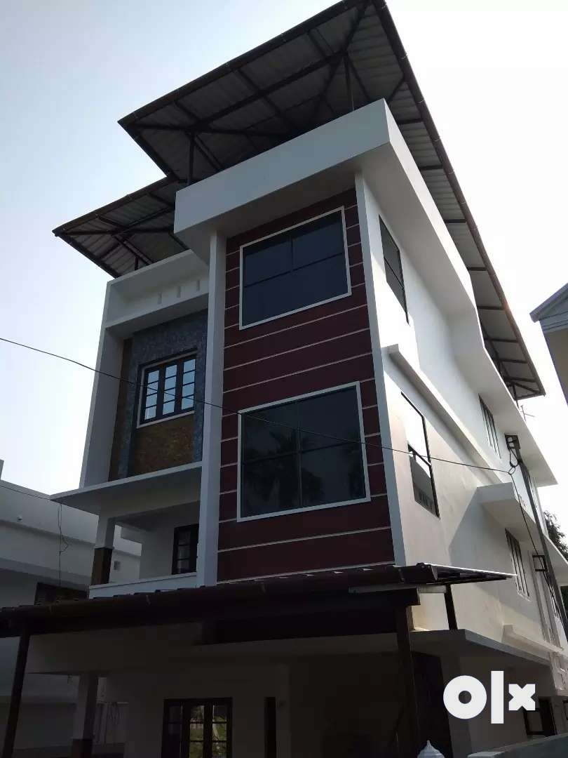 Flat for Rent ( 3 floors  with 2bhk apartment each floor ) 0