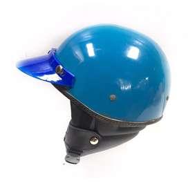 Helm chips biru