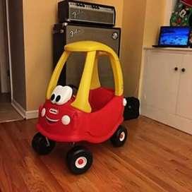 Mobil Little Tikes Merah