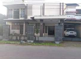 Dikontrakkan rumah besar cantik di Perumahan Watutumou Permai