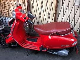 Vespa LXV 125 Merah