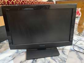 Panasonic VIERA TH-L22C31D 22 Inch LCD HD-Ready TV