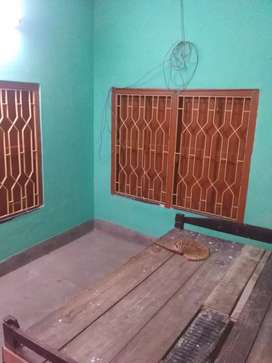 1rk house for rent in kestopur. Students bachelor allowed.